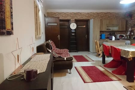 Spacious Private Room in a 4-Rooms-Appartment - New Cairo City - Apartment