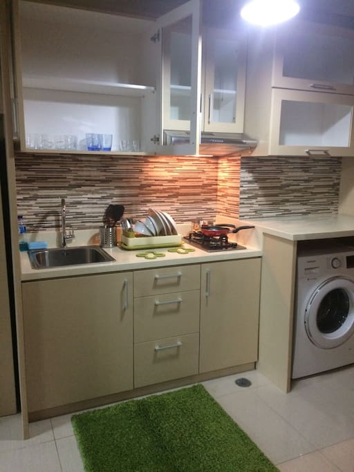 Small kitchen and front loading washing machine