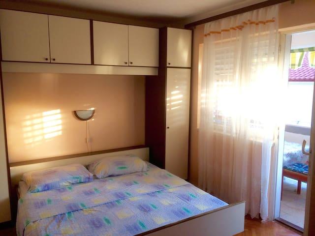 Keko's room 2 for 2 - Barbat
