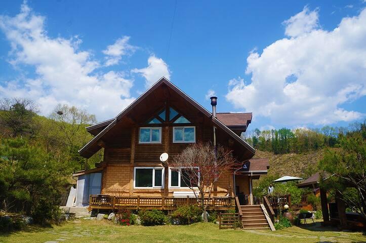 서울근교  가족,단체 웰빙하우스 통나무황토 넓은 정원 호텔식침구 - Gangha-myeon, Yangpyeong-gun - Maison