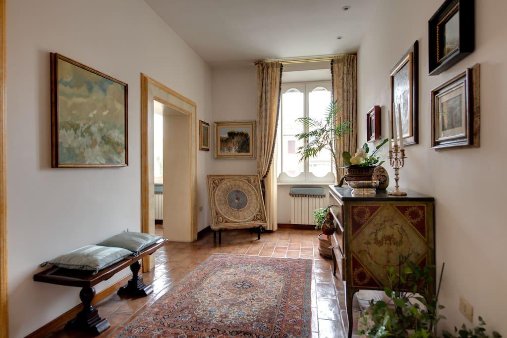 L' ingresso dell' appartamento