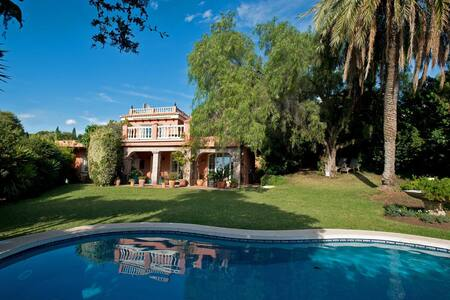 Charming luxury villa in Marbella - Nueva Andalucia