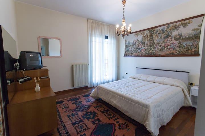 B&B Villa GRAMDE - Appartamento Daniela - Barlassina - Bed & Breakfast