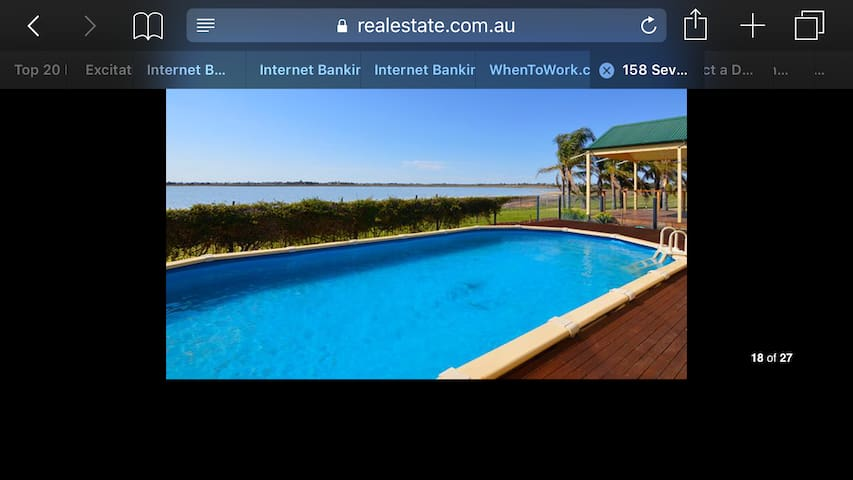 Waters Edge Lake House - Cabarita