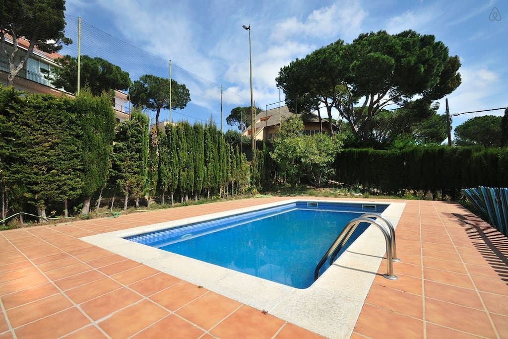 With private swimming pool with sea views