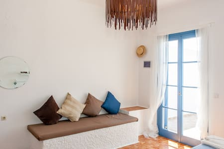 7 Olives Superb Apt Double+1, sea view - Almyrida