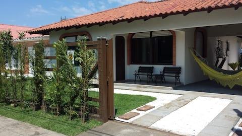 Bela casa em localização privilegiada de Xangri-Lá