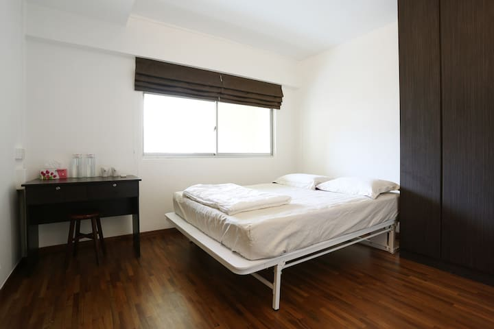 Best Value+Service In Town!S$850Mth! - Singapore - Apartment