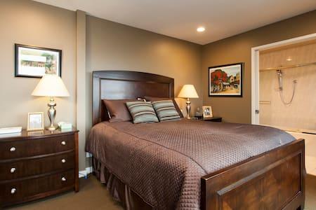 Beautiful Guest Room with Bay Views - San Carlos