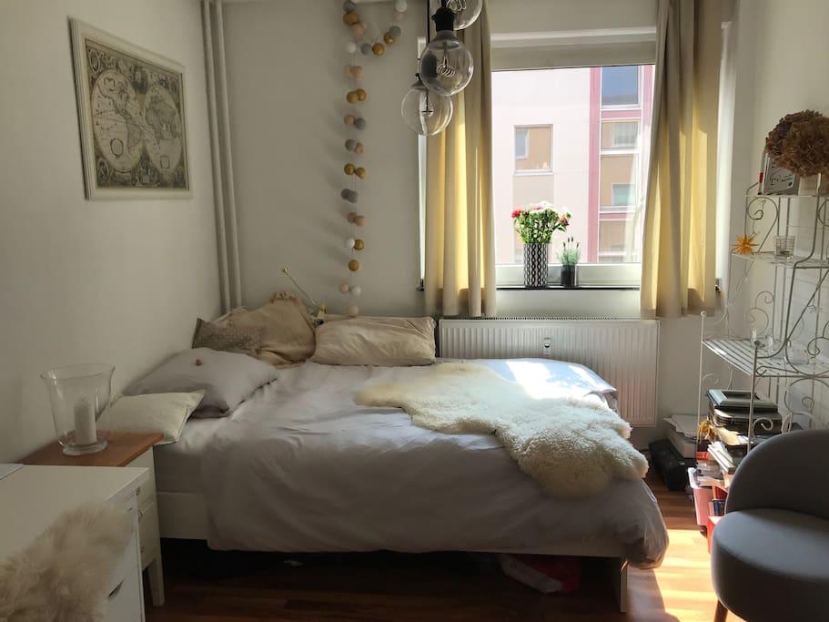 gem tliches zimmer mitten in k ln ehrenfeld wohnungen zur miete in k ln nordrhein westfalen. Black Bedroom Furniture Sets. Home Design Ideas