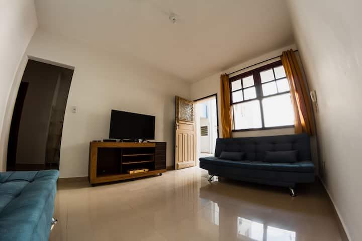 Apartamento impecável, espaçoso e PRÓXIMO À TUDO!!