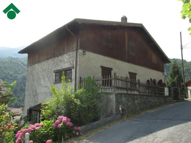 Lo Chalet del cuore - Ormea - บ้าน