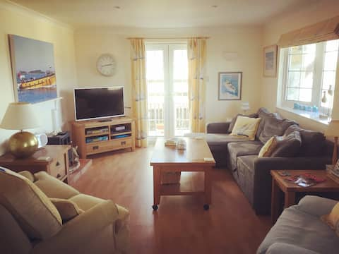 Lovely home above the beautiful Porthmellon Beach