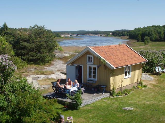 Gamla hönshuset - nu sommarhus. Ej ledigt 2017. - Strömstad - Haus