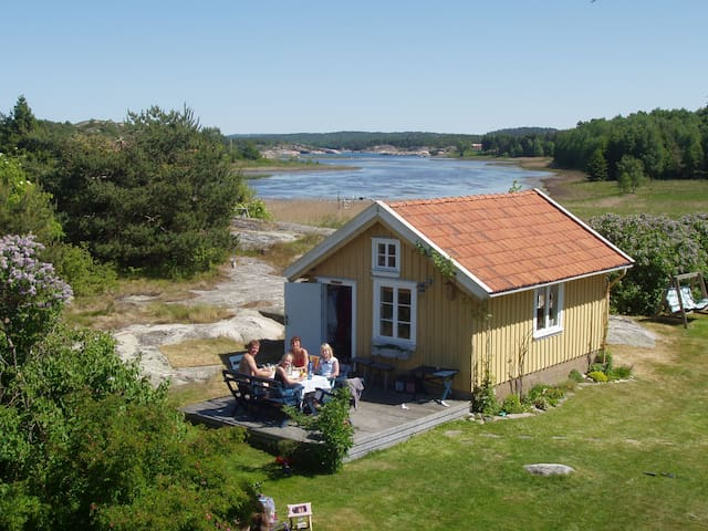 Gamla hönshuset - nu sommarhus. Ej ledigt 2017. - Strömstad