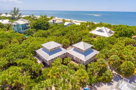 Cottage Secluded in Palms 1 minute walk to Beach - Captiva - Hus