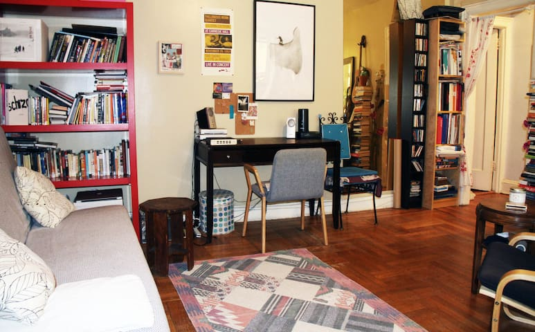 Nice one bedroom apartment by the Prospect park