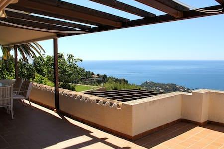 Extraordinaria villa con preciosas vistas al mar! - Altea Hills
