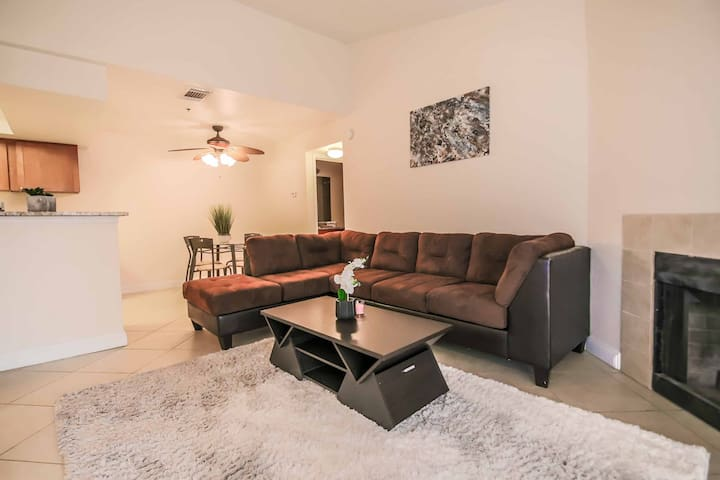 Amazing walking distance to the strip condo 3068