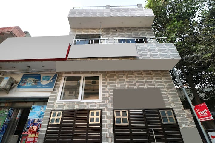 OYO Saver Double 1 BR Continental Stay Sondhal