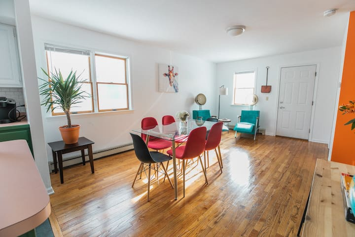 Funky downtown house in South End arts district !