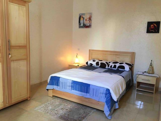 Appartement dans villa très calme et sécurisé