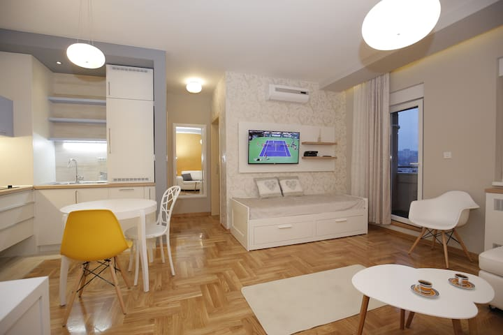 Ruzvelt Park apartment
