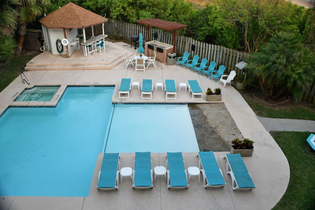 111 Sea Breeze-Community Pool