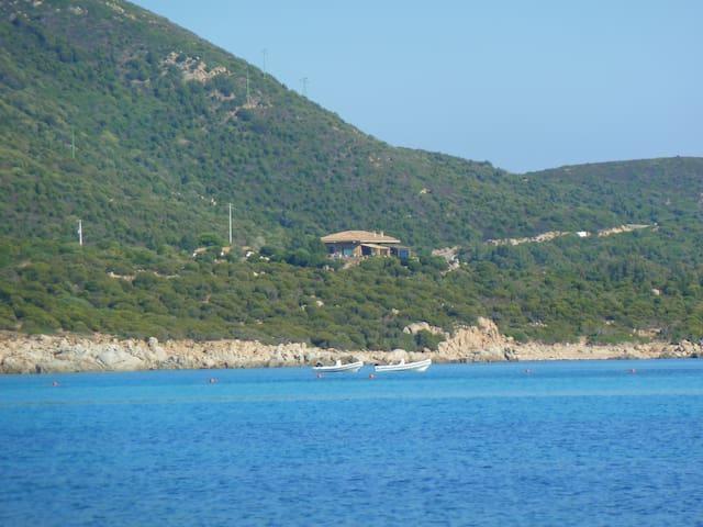 Tuerredda, casa 100 mt dal mare a - Perda Longa - House
