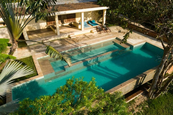 Villa Matahari sharing pool, Balinese style #4289