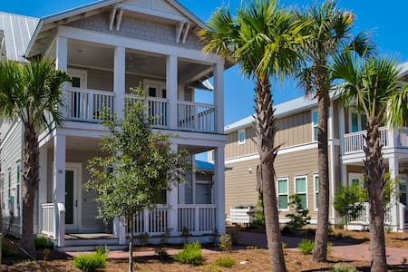 WaterSound Beach Vacation House W/Golf Cart & more