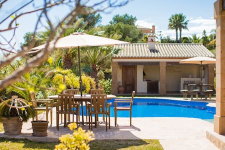 5* Villa privacy and luxury near beaches (6 pers)