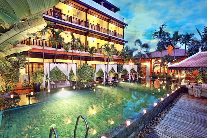Cabana Room With Terrace & Pool View -Free Pick Up - Krong Siem Reap - Bed & Breakfast