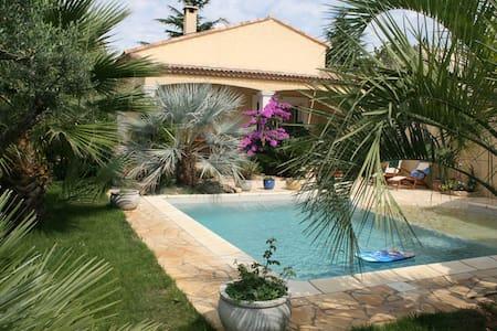 Villa tout confort avec piscine 6p - Pinet - Casa