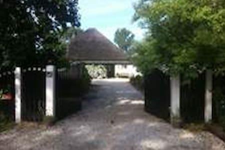 Landelijk vakantiehuis met zwembad! - Schoorl - Zomerhuis/Cottage
