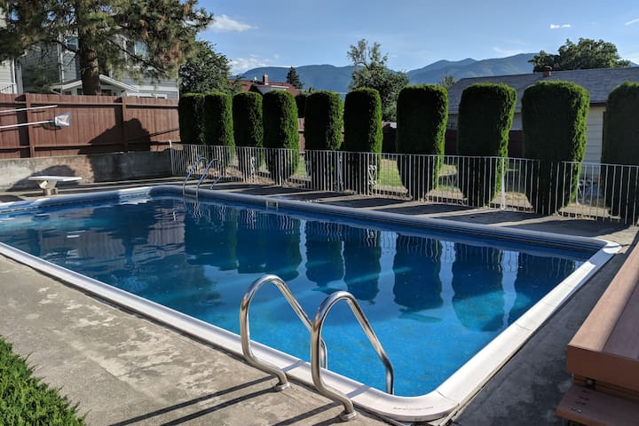 NEW - Penticton Downtown Home with Private Pool