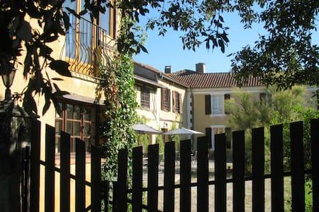 La Mirabel - Laurier (2 bed + pool)