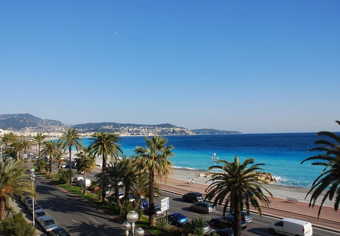 STANDING- SEA VIEW -100m2 - 3 ROOMS