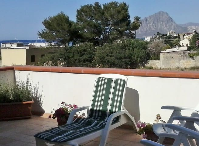 Villa in Sicilian style with sea views - Crocefissello