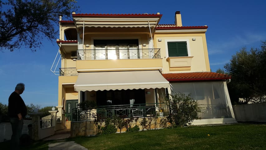 Rooms in  Villa 8 Olives, (Seaside) - Patras Rion