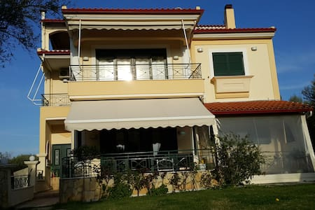 Rooms in  Villa 8 Olives, (Seaside) - Patras Rion - Bed & Breakfast