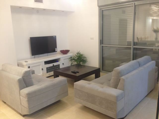 East Raanana:Newly furnished,modern - Ra'anana - Pis