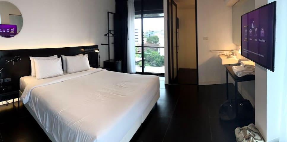 19Nimman Chiang Mai New condoDoi Suthep View/Van