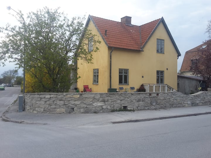 Villa för 10. Almedals och Medeltidsläge.