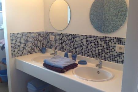 House 2 bedrooms b 160x200& 180x200 - Heule - Casa