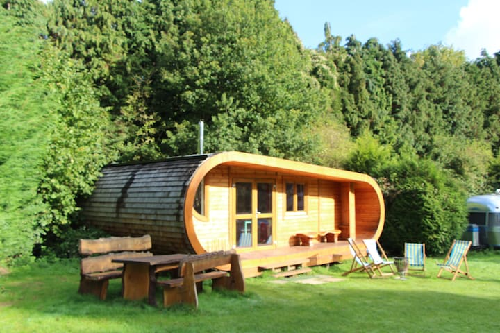 The Curvy Cabin at Blackberry Wood - Nr Ditchling - Chatka