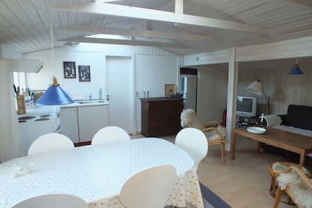 Hyggelig og ugeneret hytte - Skagen - Sommerhus/hytte