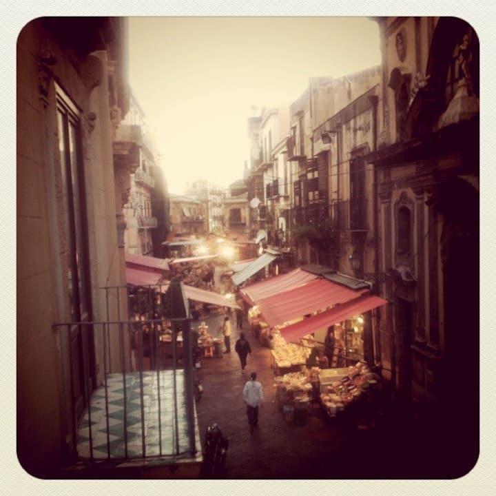 Vista sul Mercato del Capo, Palermo