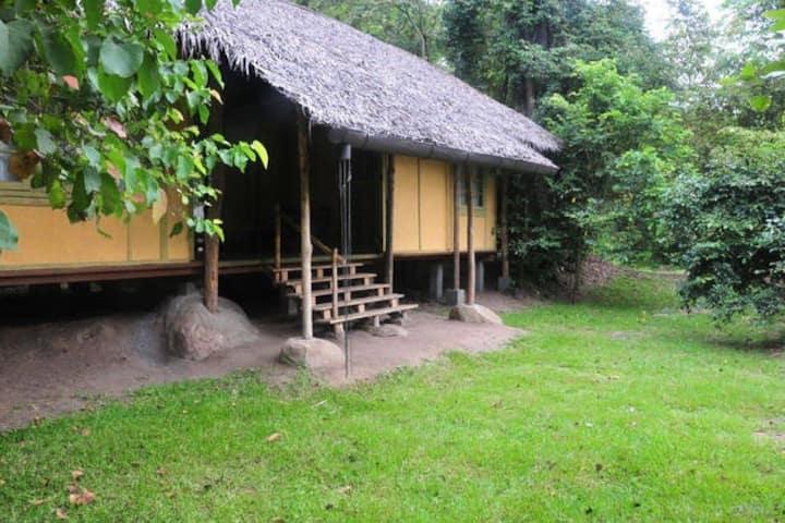 Cozy Rustic 2 BR Eco-Cottage in Sigiriya Jungle