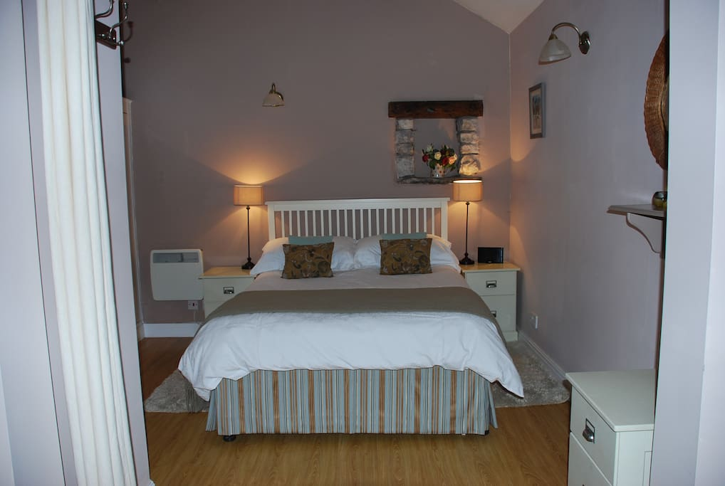 Bedroom with high quality bedlinen